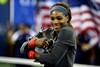Serena_with_USO_trophy