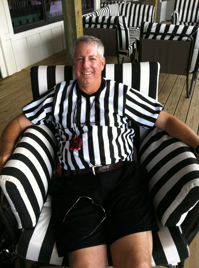 Donn_Davis_referee