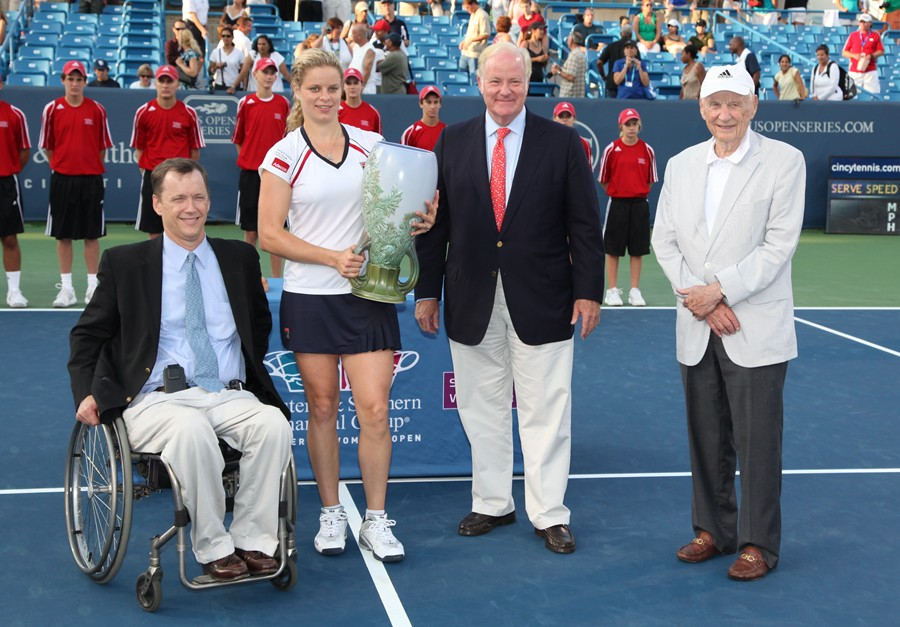 Clijsters Trophy with crew
