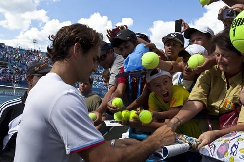 C._Turrell_-_Federer_Autographs_(13)